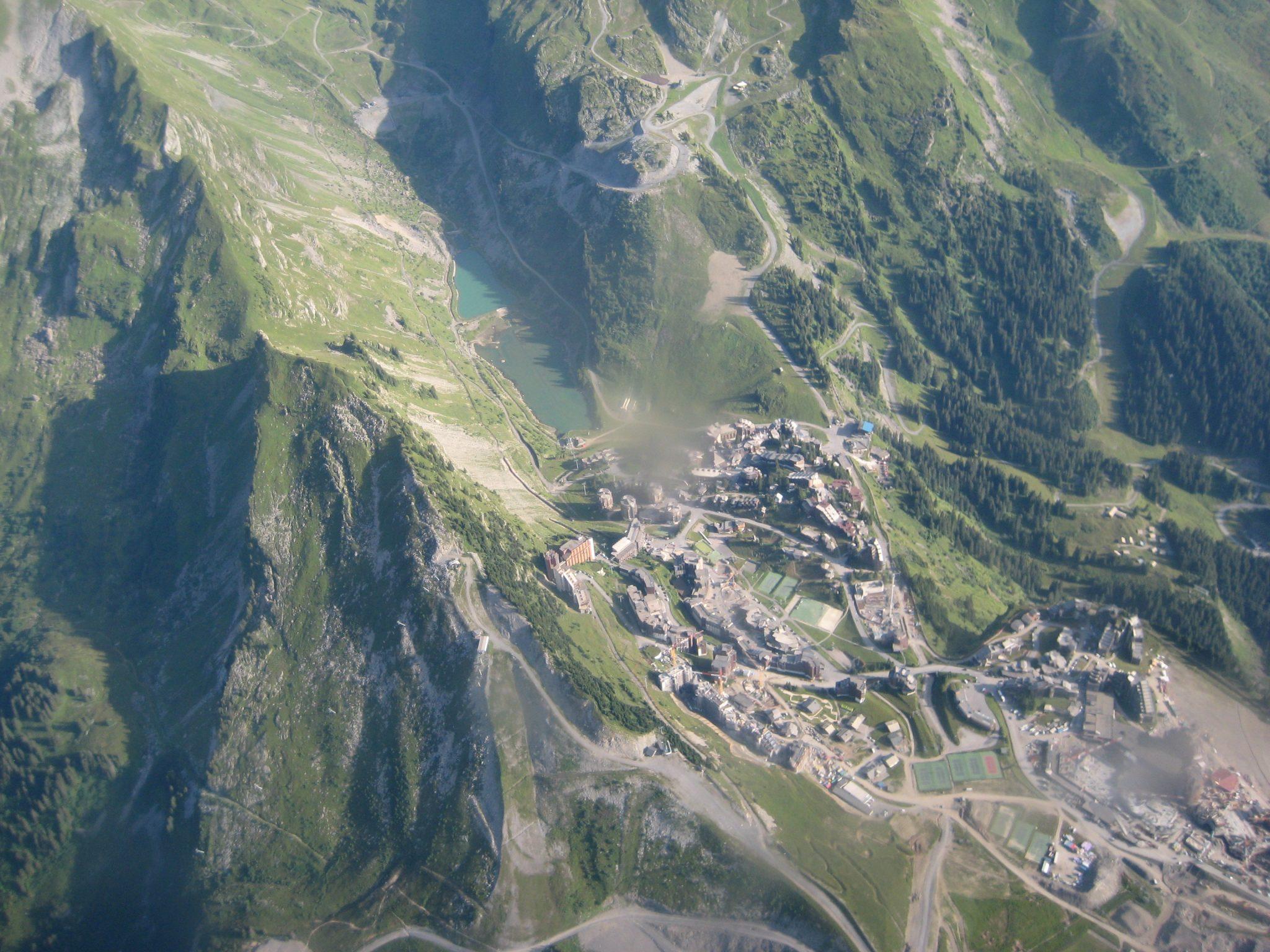 Rundflug zum Mont Blanc - Kleiner Ort auf dem Weg