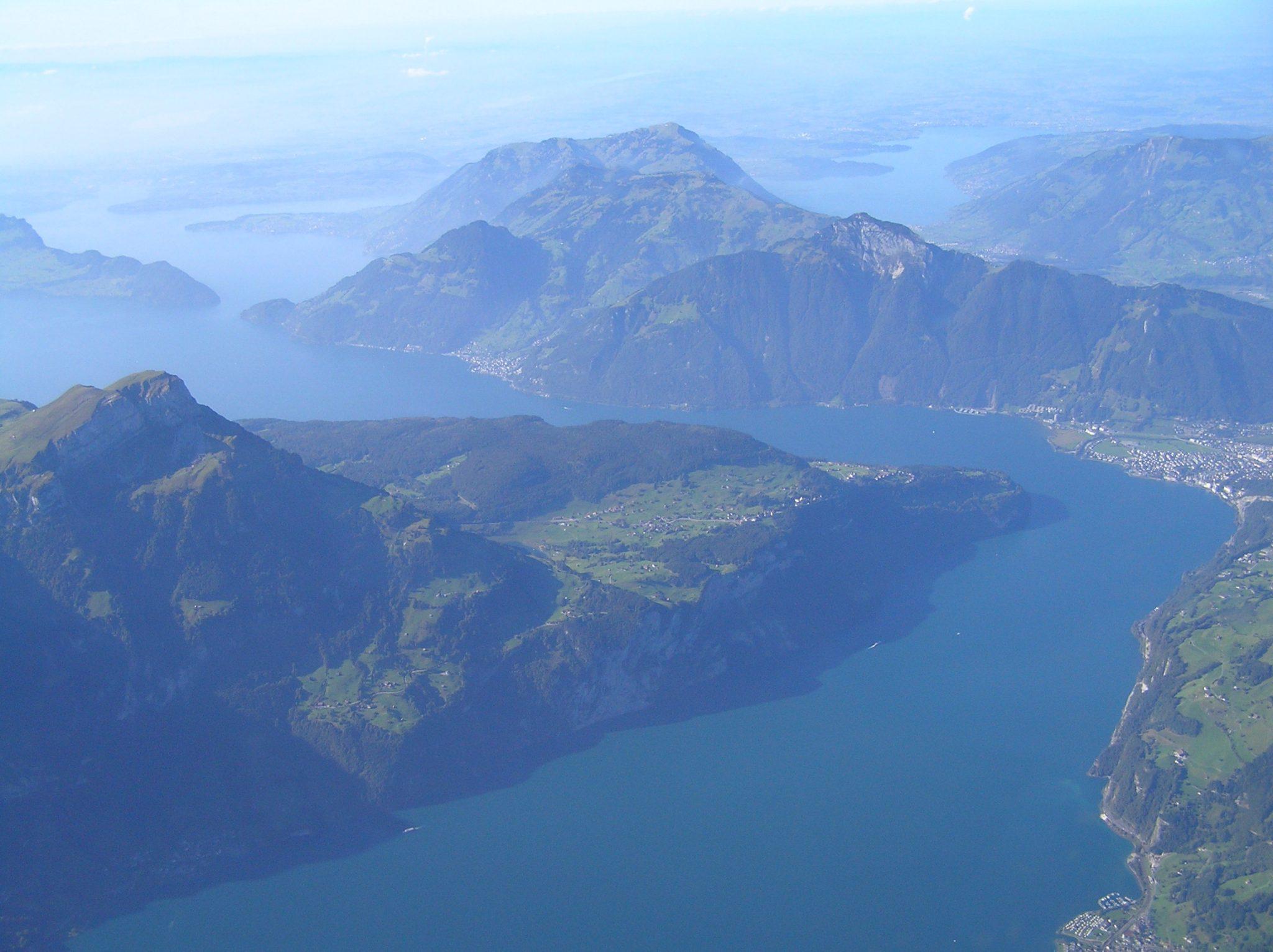 Rundflug Schweiz - Die Schweizer Seen